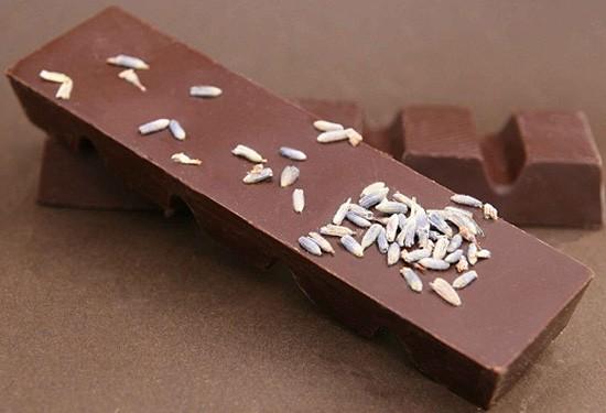 Lavendel Schokoladenriegel aus Zartbitterschokolade