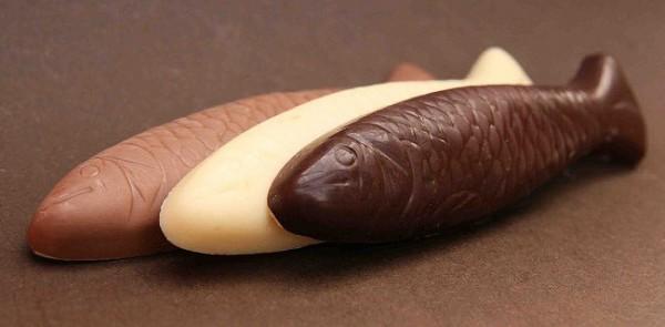 Sprotten aus drei Sorten Schokolade