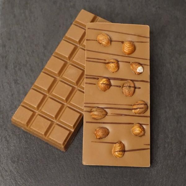 Hasselnuss Tafel aus Edelvollmilch Schokolade