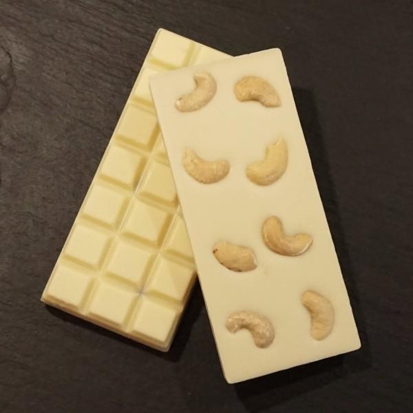 Ganze Cashew-Kern Schokoladentafel aus weisser Schokolade