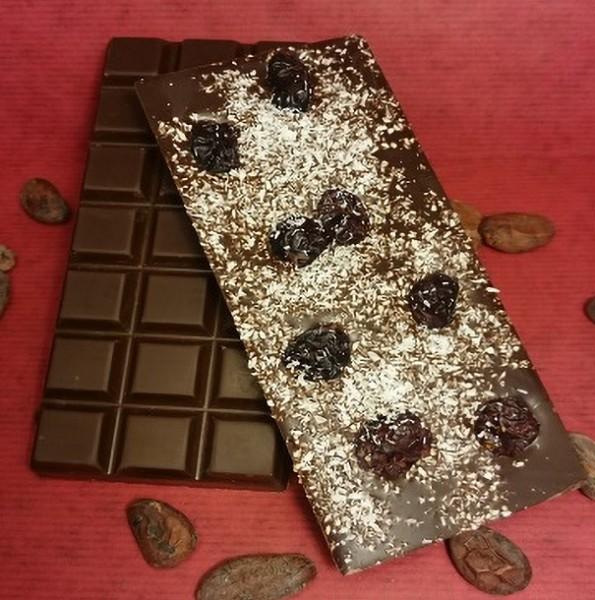 Cranberry-Kokos Schokoladentafel aus Zartbitterschokolade